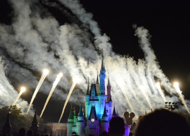 With the new year of 2017 arriving in a few days, I'm posting some past photos of fireworks that Allison got in 2015. She got this one at the fireworks show on Oct. 16, 2015, during Mickey's Not-So-Scary Halloween Party at the Magic Kingdom at Walt Disney World.