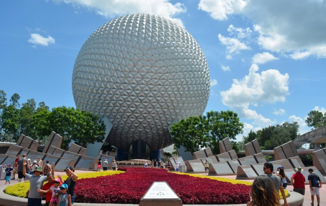 With the new year, here's my first posting of Spaceship Earth at EPCOT. I got this one on Aug. 19, 2016, at the end of a multi-day trip to Walt Disney World. It is a sight that is always fun and interesting.